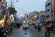 3Combiatore - 180px-Cross_Cut_Road,_Coimbatore,_December_2009
