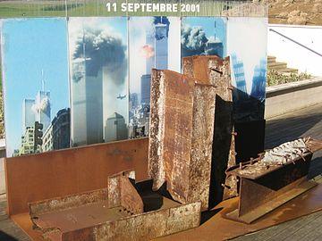 911 360px-Mémorial_11_septembre