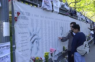 911 (9-11)330px-FEMA_-_7118_-_Photograph_by_Lauren_Hobart_taken_on_09-12-2002_in_New_York