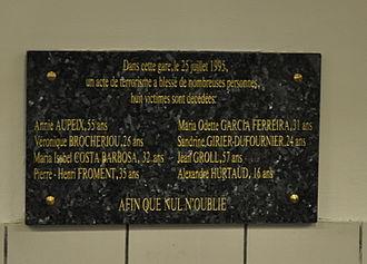 Gare_de_Saint-Michel,_plaque_attentat_1995